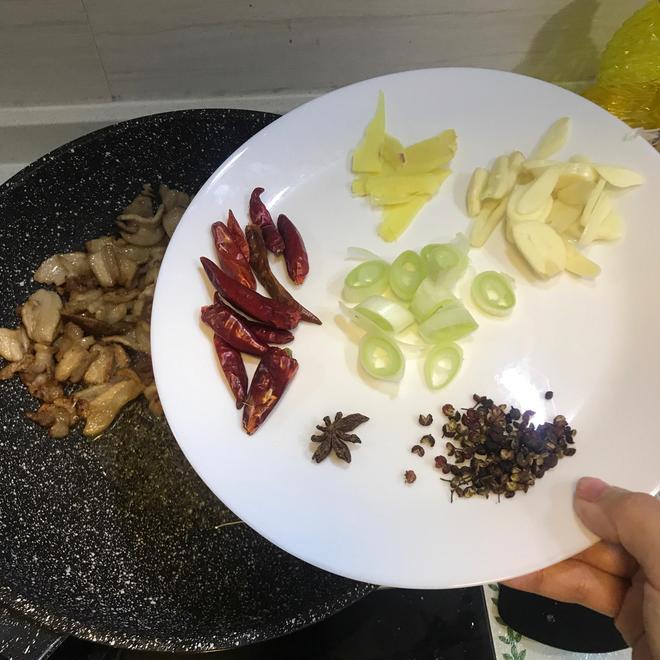 五花肉乾煸有機花菜!