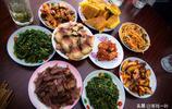 來藏族人家作客,一餐早飯竟如此豐盛,這樣的早餐一般地方吃不到