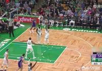 還差1籃板達成三雙,綠軍全隊圍成一圈讓歐文撿板,你如何評價?