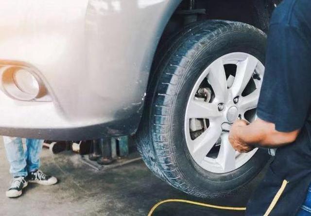 在駕駛過程中如何保護汽車的減振器呢?