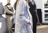 韓星權志龍、樸信惠巴黎時裝週現場照被超模劉雯碾壓,引韓粉不滿