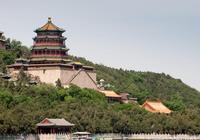 慈禧當年花費重金修建此地,現已成為中國古典園林之首