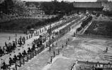 老照片:袁世凱葬禮現場,送葬規模比皇帝葬禮還要大!