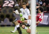 踢球者:斯圖加特有意丹麥門將容諾夫
