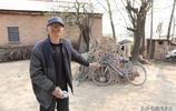"""河南農村78歲老人拿著彈弓義務給村民當""""保安隊長"""",看他要防啥"""