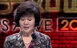 她年輕時不輸劉雪華!深愛丈夫五十年不接吻戲!72歲豪車出行