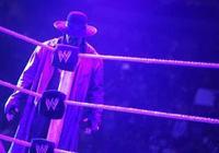 他是WWE死神,布洛克萊斯納的宿敵!但他其實是布洛克的忠實粉絲