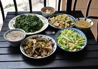 一家三口的午餐,用心做了這4菜1湯,女兒說還是媽媽做的菜最好吃