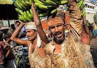 印度商販:中國人很窮,買不起我們的黃金,遊客:誰給你的自信?