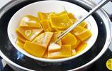 南瓜餅最簡單的做法,不加水不發麵,酥香軟糯,隔著屏幕都流口水