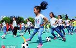 校園足球嘉年華精彩紛呈 快樂足球培養孩子足球興趣