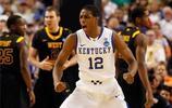 布蘭頓·奈特,出生於美國佛羅里達州,美國職業籃球運動員,司職控球后衛,效力於NBA菲尼克斯太陽隊