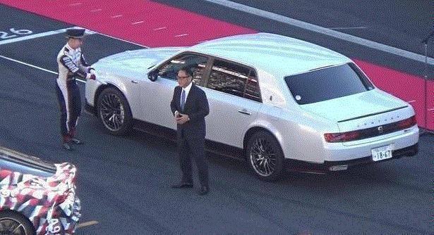 豐田老闆座駕強勢入境,全球只有一輛,日系車中的霸主!
