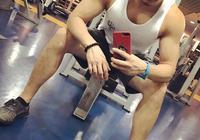 上海的健身教練志偉