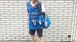 臺灣88歲老太,穿破洞褲籃球衣,長款衛衣,也玩起了下衣失蹤