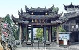 """中國唯一掛在瀑布上的千年古鎮 美景不輸周莊 被譽""""小南京""""!"""