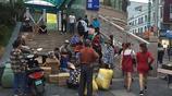 每天早上跨國做生意 在中國小城艱辛的謀生 這是他們的生活