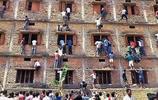 印度學校為防止作弊,竟在考試時要求學生當眾脫下文胸