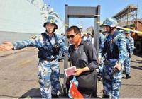 中國撤僑行動中,日韓人假扮中國人登船,軍人用一招識破