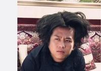 陳赫調侃鄧超又老了一歲,發出鄧超絕版照片,網友:髮量真多!