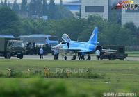 緬甸訂購的首架梟龍戰機下線 第一單做成有望促梟龍大賣