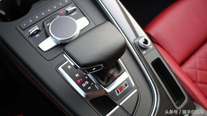 除了官車還有運動型掀背車,2018款奧迪S5 Sportback很炫酷
