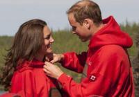 威廉王子夫婦和哈里王子夫婦秀恩愛對比,果然當國王的更懂規矩