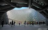 不愧為網紅建築,鳳凰國際傳媒中心內部科技感十足