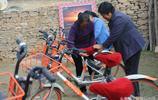28歲小夥軟磨硬泡半年將共享單車引進貧困村 村民們把單車當寶貝