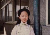 為什麼楊紫人緣這麼好,張一山給她牽裙子,王俊凱給她拎包?