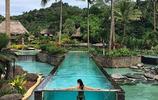 這個酒店住一晚要4萬多,透明泳池吸引眾多名人來此拍照