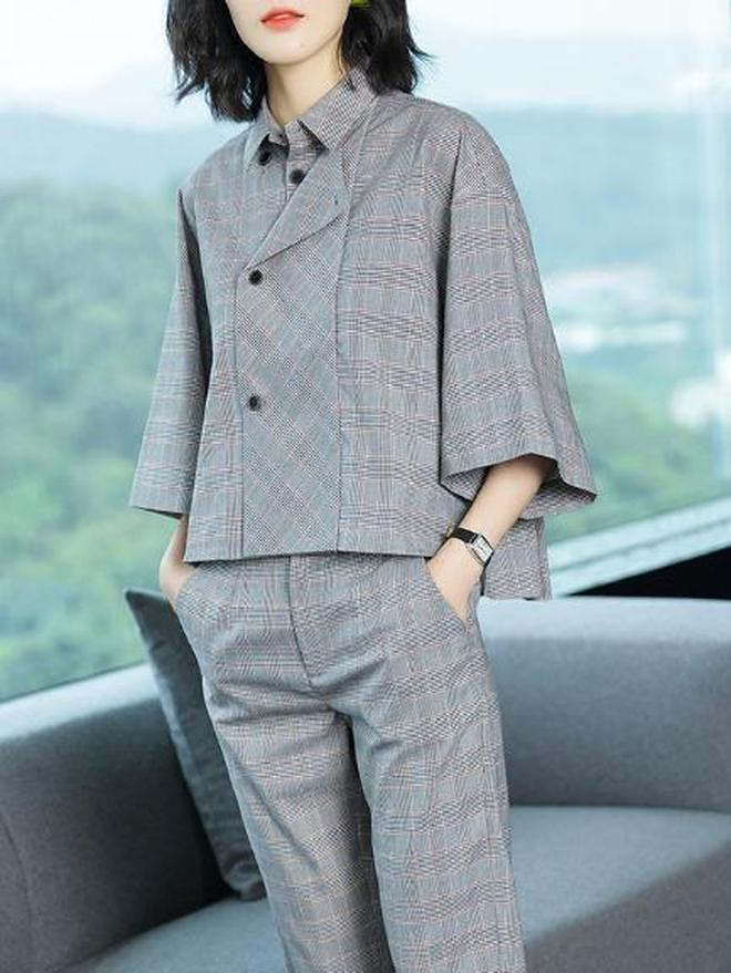 初秋嚐鮮記:純色高腰收腰襯衫連衣裙 塑造優雅身形美觀優雅大氣