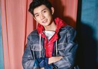 你認為王源在19歲的年齡抽菸正常嗎?