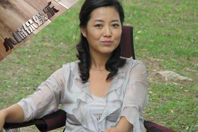 """""""農村戲一姐""""46歲王茜華和老公近照,兩人因戲結緣,今浪漫不減"""