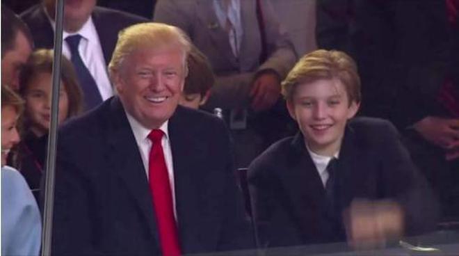 """美國""""第一兒子""""巴倫真優秀!12歲身高已趕超父親,顏值更是逆天"""