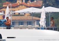 一帆風順!詹妮弗·洛佩茲在法國的旅途中與亞歷克斯·羅德里格斯一起在遊艇上