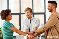 一個內向的人,不會和同事交流相處,別人很討厭我該怎麼辦呢?