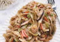 營養又美味的蝦仁蔬菜炒麵,簡單易做,一個人在家也不用湊合吃了