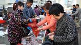 初冬 青島早市海鮮豐富 價格低 蠣蝦18元一斤 野生黃花魚15元兩斤