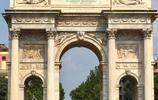 歐洲路途 和平門是拿破崙為了慶祝歐洲之戰勝利而興建的凱旋門