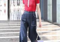 娜扎、李沁、劉雯都在穿的針織衫,現在這樣穿正合適!