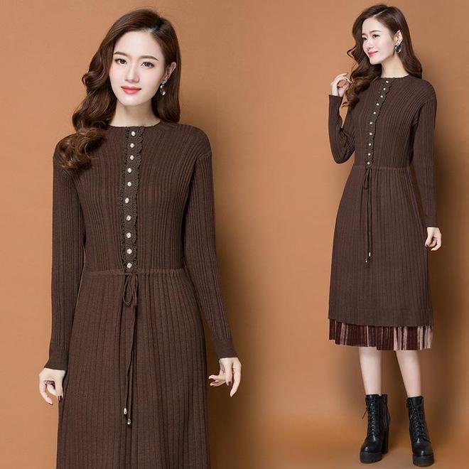 """毛呢裙早就不流行了,現上海女人都穿這樣的""""毛衣裙"""",美得要命"""