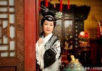 清朝規定嬪妃50後不再伺寢,康熙為何獨獨對雍正的生母德妃例外?