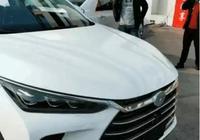 首臺比亞迪唐二代到店,不愧最美國產SUV,售16萬讓合資車歇