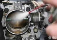 汽車打火時自動熄火,但是給腳油就好了,這是怎麼回事?該做什麼檢查?