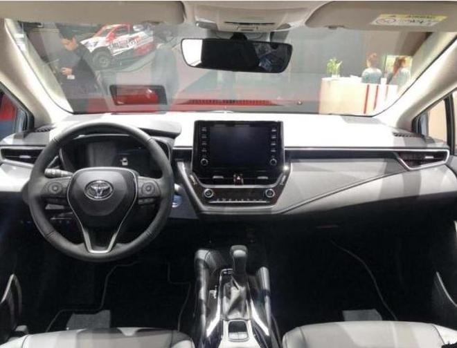 """豐田新款""""神車""""即將上市,內飾大改配懸浮式中控屏,不足10萬起"""