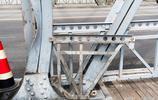 上海外白渡橋遭土方車碰撞