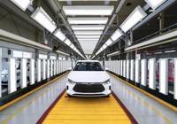 重量輕空間大,不輸燃油車,比亞迪e2即將上市