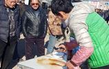 農村24歲小夥賣抹布,月入萬元,日賣500米,堅持不啃老,咋回事