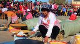 舌尖上的中國:農村大媽現場演示正宗山東煎餅的做法,好吃極了